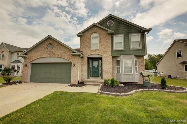 1808 Oak Squire Crt, Howell, MI 48855 (#219076255) :: The Buckley Jolley Real Estate Team