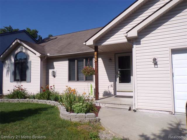 48 N Glaspie Street, Oxford Twp, MI 48371 (MLS #219077852) :: The Toth Team