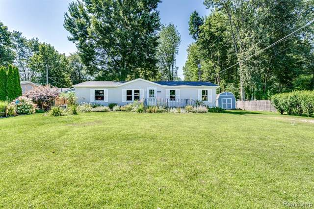 3813 Pine Road, Burtchville Twp, MI 48059 (#219078544) :: The Buckley Jolley Real Estate Team