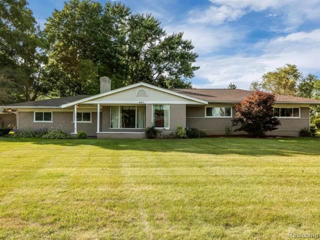 807 Sunnybeach Boulevard, White Lake Twp, MI 48386 (#219078708) :: The Buckley Jolley Real Estate Team