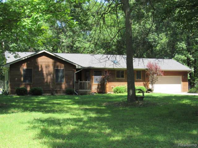329 Oak Leaf Drive, Howell Twp, MI 48855 (#219078726) :: RE/MAX Classic