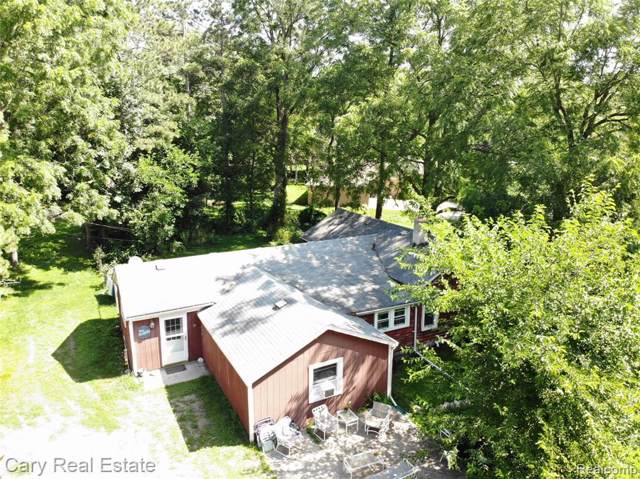 3894 Green Lake Road, West Bloomfield Twp, MI 48324 (#219078810) :: RE/MAX Classic