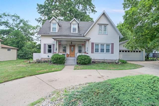 416 S Michigan Avenue, Howell, MI 48843 (#219078838) :: The Buckley Jolley Real Estate Team