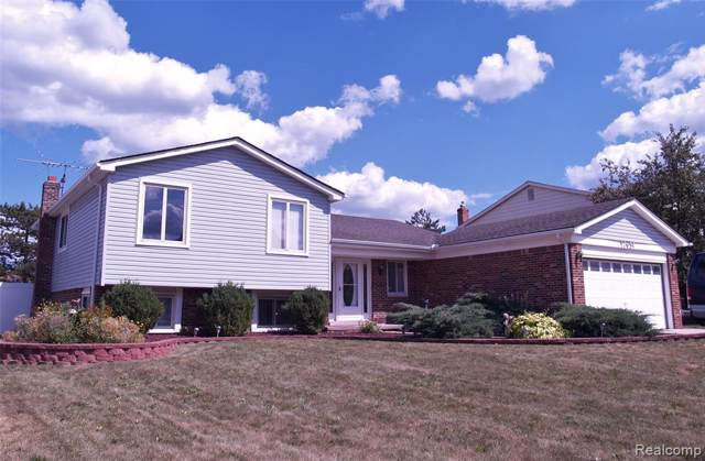 17651 Brentwood Drive N, Riverview, MI 48193 (#219078921) :: The Mulvihill Group