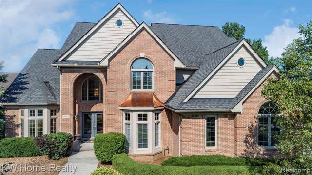 6914 Trailview Court, West Bloomfield Twp, MI 48322 (#219079519) :: RE/MAX Classic