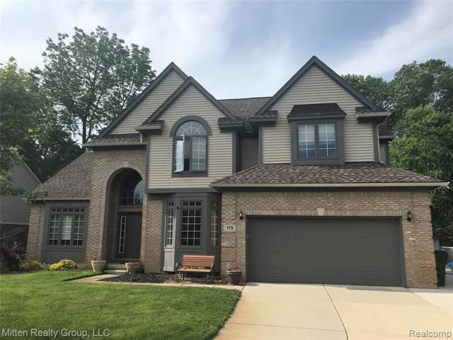 175 Liza Lane, Commerce Twp, MI 48382 (#219079971) :: The Buckley Jolley Real Estate Team