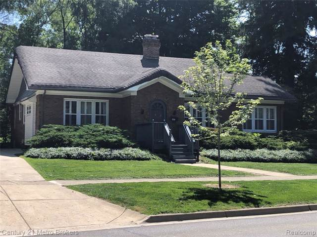 407 N Michigan Avenue, Howell, MI 48843 (#219079990) :: RE/MAX Classic