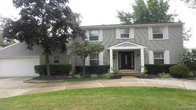 4841 Bantry Drive, West Bloomfield Twp, MI 48322 (#219080357) :: The Buckley Jolley Real Estate Team