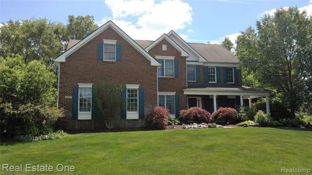 3227 Hanover Drive, Milford Twp, MI 48380 (#219080616) :: The Mulvihill Group