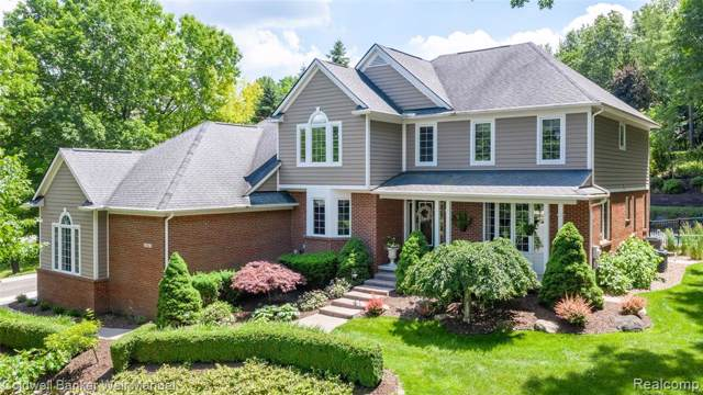 924 Deep Valley Drive, Milford Vlg, MI 48381 (#219081859) :: RE/MAX Classic