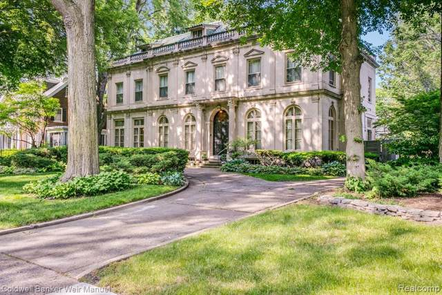 2150 Iroquois Street, Detroit, MI 48214 (#219081909) :: The Buckley Jolley Real Estate Team