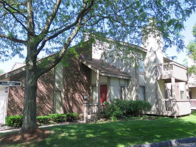 7490 Brynmawr Court, West Bloomfield Twp, MI 48322 (#219082060) :: The Buckley Jolley Real Estate Team