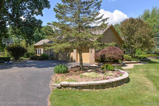 490 Rolling Oaks Drive, Marion Twp, MI 48843 (#219082415) :: The Buckley Jolley Real Estate Team