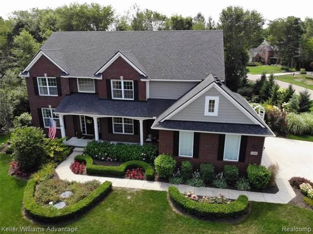 13849 Forest Ridge Circle, Green Oak Twp, MI 48178 (#219082514) :: Duneske Real Estate Advisors