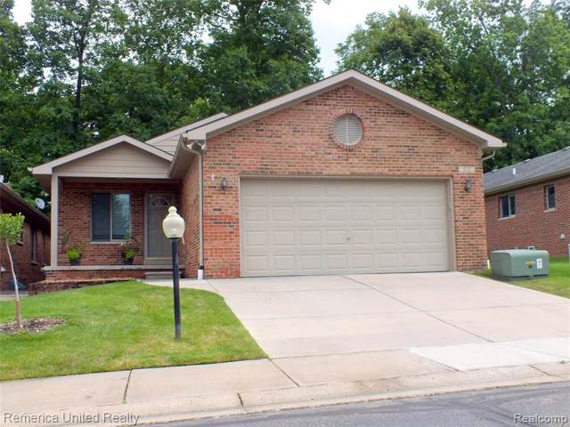 572 Willow Dr #19, South Lyon, MI 48178 (#219083033) :: The Alex Nugent Team | Real Estate One