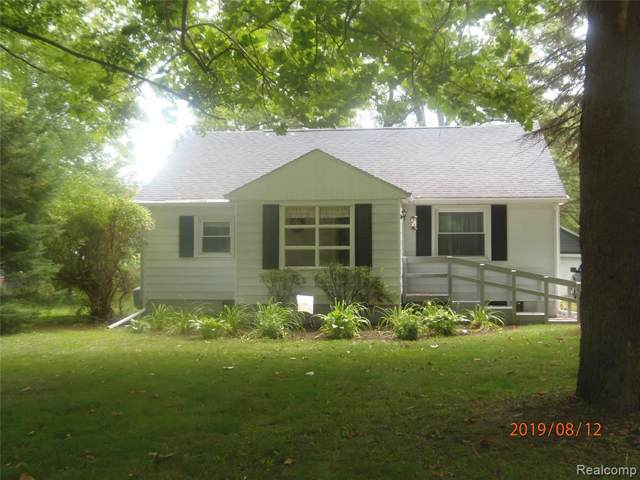2172 Byron Road, Howell Twp, MI 48855 (#219083161) :: RE/MAX Classic