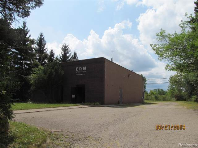 26111 Lannys Road, Novi, MI 48375 (MLS #219083397) :: The Toth Team