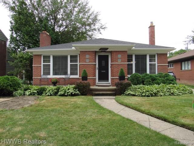 10825 Vernon Avenue, Huntington Woods, MI 48070 (#219083486) :: Team Sanford