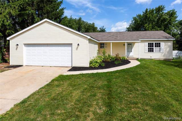 7830 Jennifer Agnes Avenue, Waterford Twp, MI 48329 (#219083675) :: The Mulvihill Group