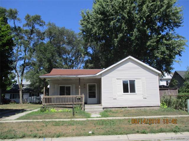 715 Division Street, Port Huron, MI 48060 (#219083921) :: The Buckley Jolley Real Estate Team