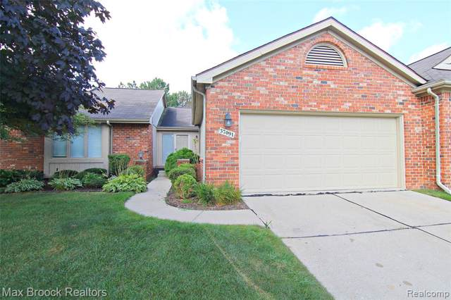 37091 Sandalwood, Farmington Hills, MI 48331 (#219083945) :: KNE Realty 360