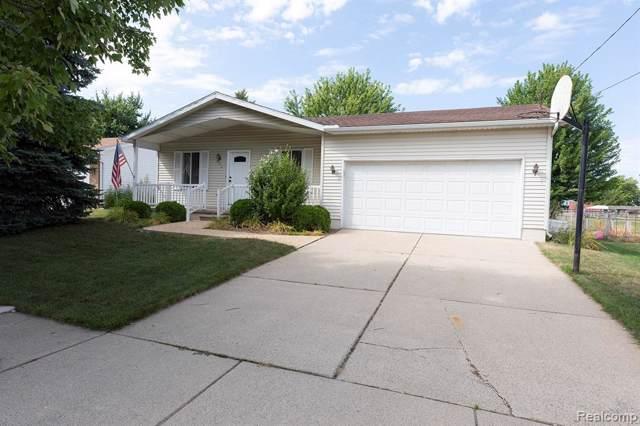 941 Greenwood Street, Marysville, MI 48040 (#219084001) :: The Mulvihill Group