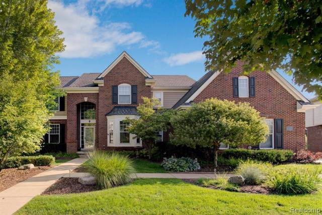 1920 Cheshire Lane, Commerce Twp, MI 48382 (#219084076) :: Alan Brown Group