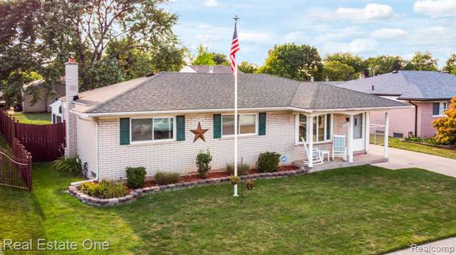 24336 Cambridge Street, Woodhaven, MI 48183 (#219084143) :: Alan Brown Group