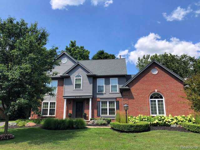16145 Maplewood Court, Northville Twp, MI 48168 (#219084242) :: The Buckley Jolley Real Estate Team
