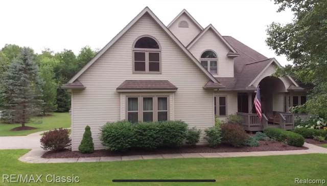 327 Sleepy Hollow, Brandon Twp, MI 48462 (#219084270) :: The Mulvihill Group
