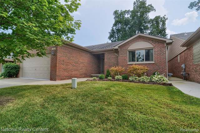 368 Walnut Drive, South Lyon, MI 48178 (#219084302) :: The Alex Nugent Team | Real Estate One