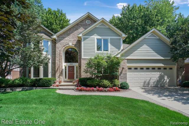 3888 Gatwick Drive, Troy, MI 48083 (#219084310) :: Alan Brown Group