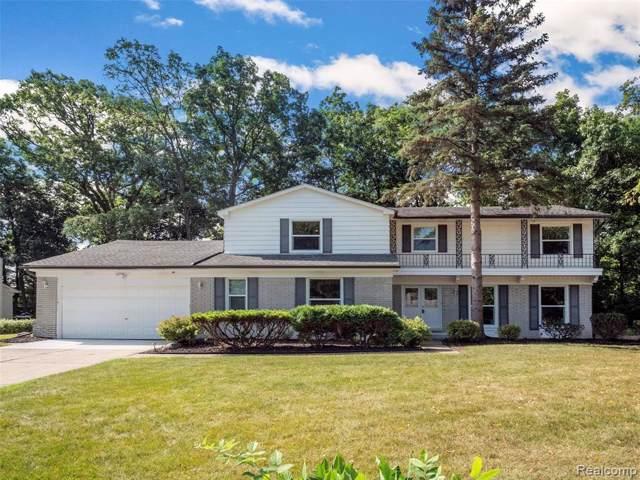 4275 Whitebirch Drive, West Bloomfield Twp, MI 48323 (#219084446) :: RE/MAX Classic
