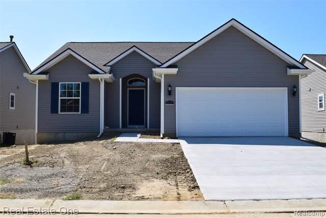 4420 Cross Creek Boulevard #80, Burton, MI 48509 (#219084545) :: The Alex Nugent Team | Real Estate One