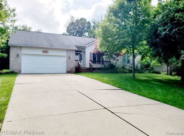 16065 Silver Bend Drive, Argentine Twp, MI 48451 (#219084574) :: GK Real Estate Team
