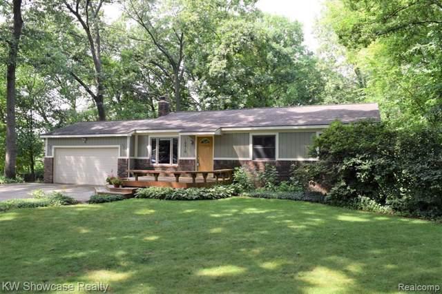 10010 Sedlock Avenue, White Lake Twp, MI 48386 (#219084641) :: The Buckley Jolley Real Estate Team