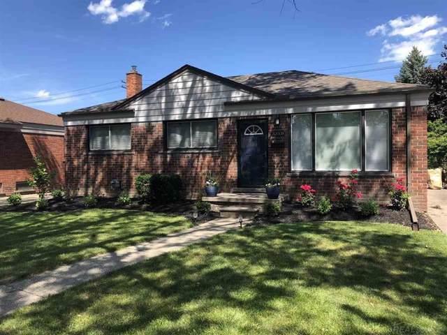 30008 Rosebriar, Saint Clair Shores, MI 48082 (#58031391361) :: The Alex Nugent Team | Real Estate One