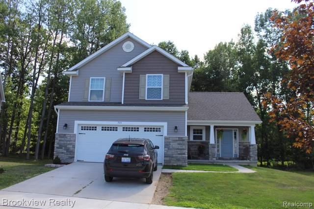 705 Cascade Avenue, Fenton, MI 48430 (#219084841) :: The Buckley Jolley Real Estate Team