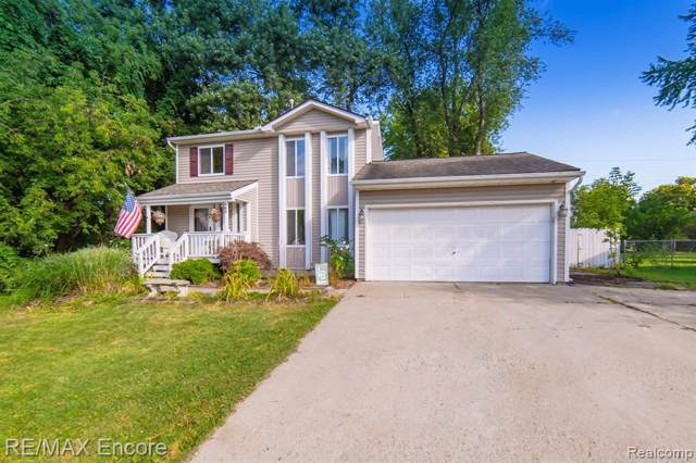 983 Orion Terrace, Orion Twp, MI 48362 (MLS #219085017) :: The Toth Team