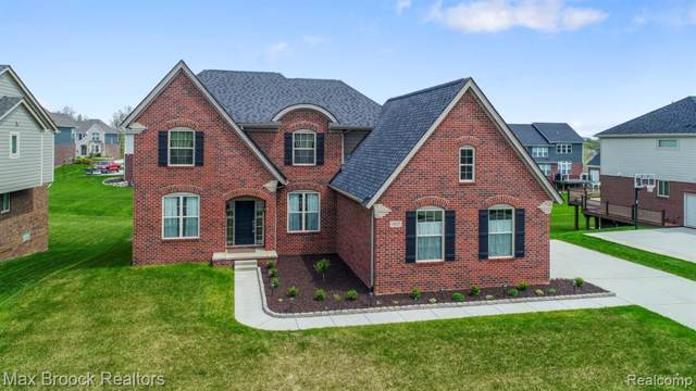 5857 Strawberry Circle, Commerce Twp, MI 48382 (#219085060) :: The Mulvihill Group