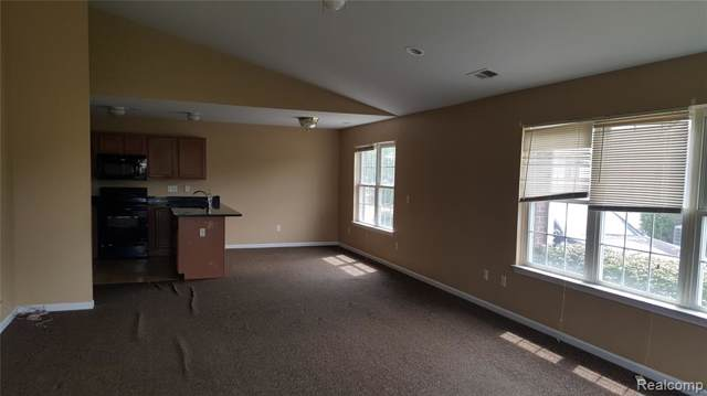 42228 Hanover Drive Drive, Van Buren Twp, MI 48111 (#219085148) :: The Buckley Jolley Real Estate Team