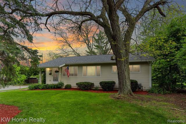 1800 Hatcher Crescent, Ann Arbor, MI 48103 (MLS #219085194) :: The Toth Team
