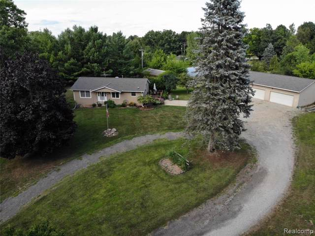 11373 W Grand River Rd, Handy Twp, MI 48836 (#219085264) :: The Alex Nugent Team | Real Estate One
