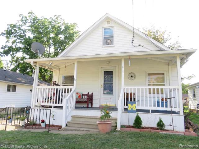 211 Hoyt Street, Owosso, MI 48867 (#219085351) :: The Buckley Jolley Real Estate Team