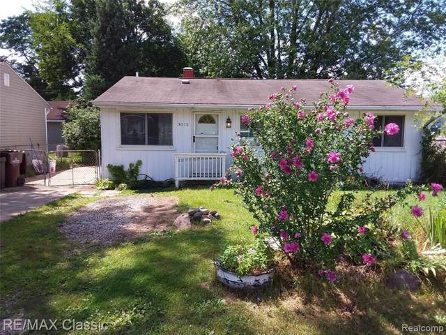 3015 Fisher Ave, Commerce Twp, MI 48390 (#219085418) :: The Buckley Jolley Real Estate Team