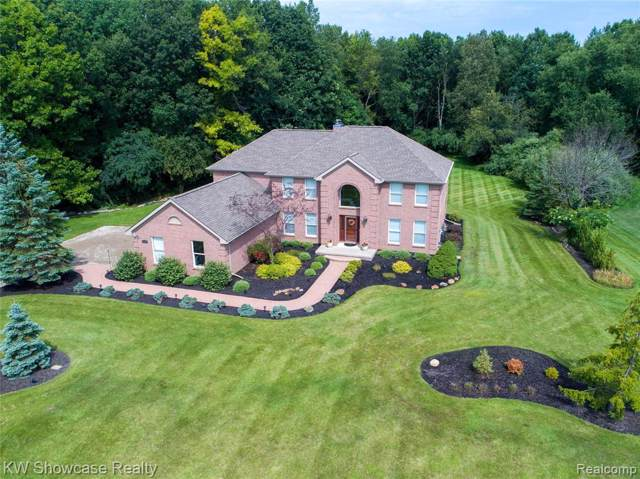 3110 Rolling Green Court, Milford Twp, MI 48380 (#219085423) :: RE/MAX Classic