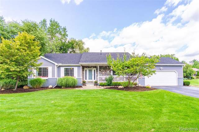 709 Porteous Drive, Orion Twp, MI 48362 (#219085595) :: RE/MAX Nexus