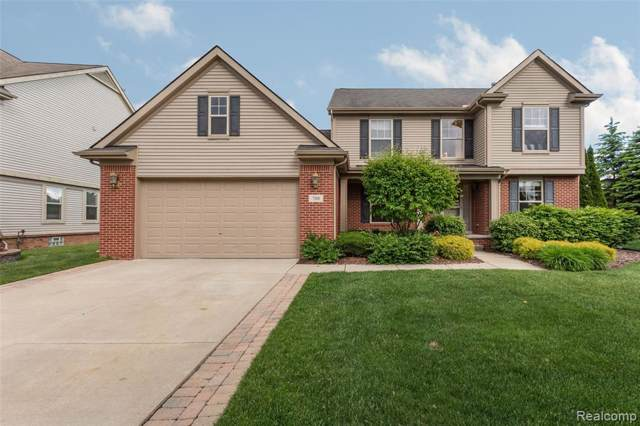 708 Grandview Drive, Commerce Twp, MI 48390 (#219085644) :: The Buckley Jolley Real Estate Team