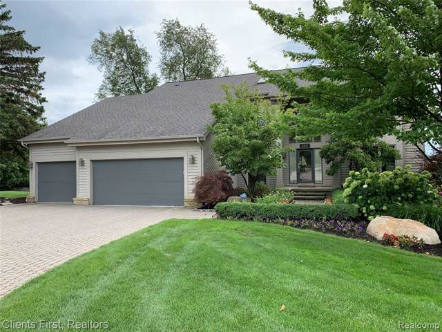 6811 Berry Pointe Drive, Independence Twp, MI 48348 (#219085850) :: RE/MAX Nexus