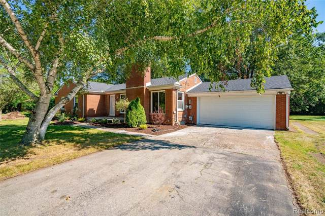 23966 Lee Baker Drive, Southfield, MI 48075 (MLS #219085952) :: The Toth Team